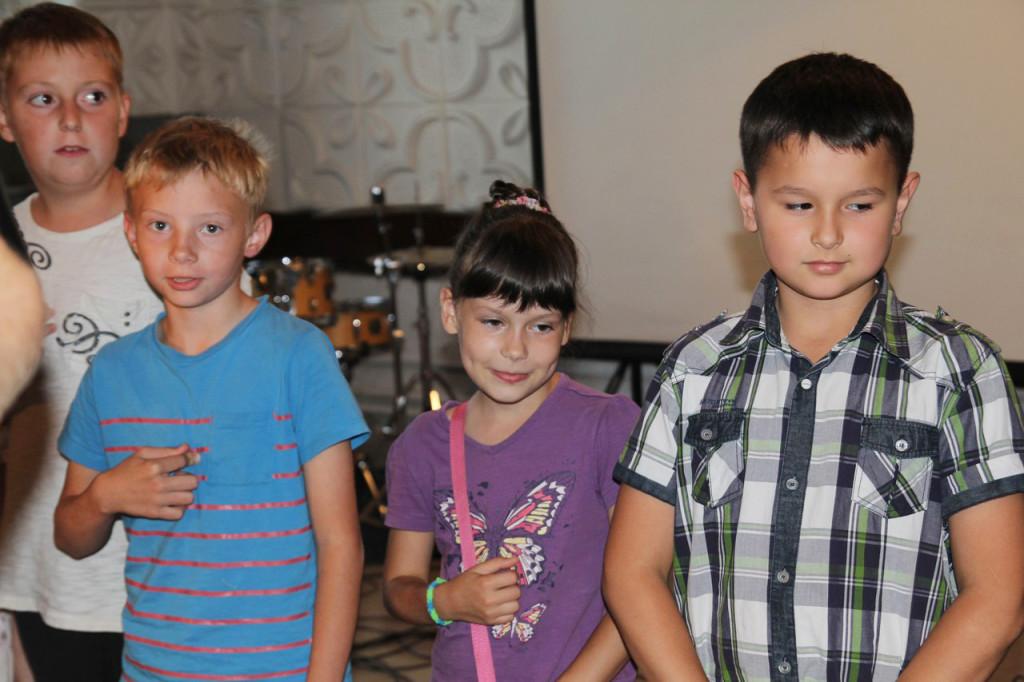 tserkovy-blagoslovila-shkolynikov-na-uspeshnuyu-utchebu